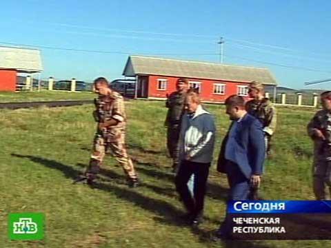 Путин почтил память Ахмата Кадырова.Кадыров, Путин, Чечня.НТВ.Ru: новости, видео, программы телеканала НТВ