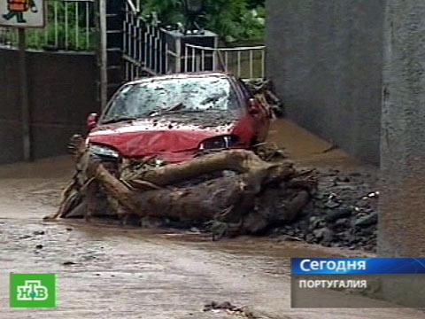 Жертвами наводнения стали десятки человек.наводнения, оползни, стихия.НТВ.Ru: новости, видео, программы телеканала НТВ