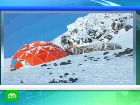На Эльбрусе разрушена спасательная хижина.альпинизм, строительство, Эльбрус.НТВ.Ru: новости, видео, программы телеканала НТВ