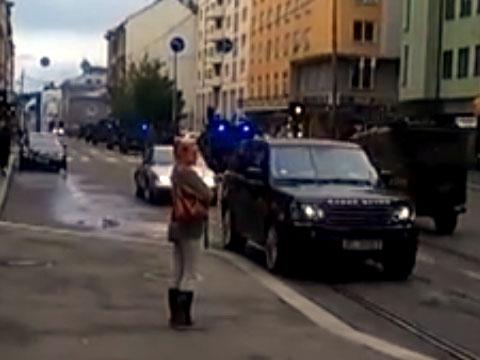 Осло. Видео очевидца (загружено пользователем DenFN).взрывы, нападения, Норвегия, терроризм, убийства, Норвежская трагедия.НТВ.Ru: новости, видео, программы телеканала НТВ