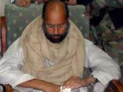 Любимого сына Каддафи отдали под суд революционеров