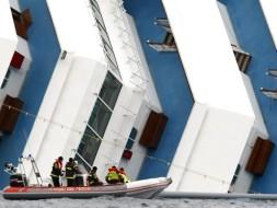 С Costa Concordia подняли 17-ю жертву