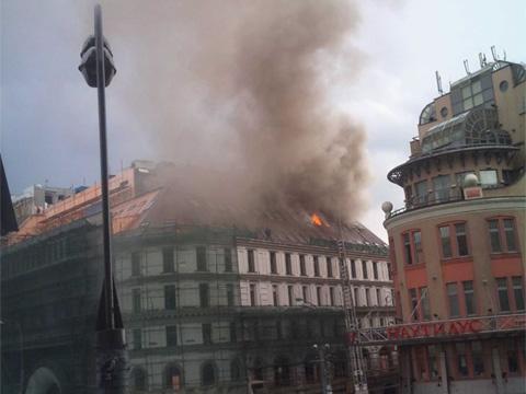 Центр Москвы затянул едкий дым пожара.Москва, пожарные, пожары.НТВ.Ru: новости, видео, программы телеканала НТВ