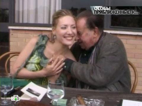 devushki-tinto-brassa-seksi-bele-i-chulki