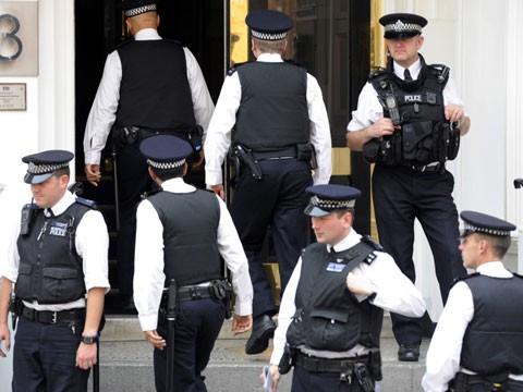 Эквадор предоставил политическое убежище Ассанжу.WikiLeaks, Ассанж, Лондон, посольства, штурм, Эквадор.НТВ.Ru: новости, видео, программы телеканала НТВ