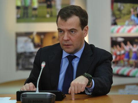 Медведев грозит водителям полумиллионными штрафами.ДТП, Медведев, наказание, штрафы.НТВ.Ru: новости, видео, программы телеканала НТВ