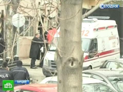 Два человека погибли при взрыве впосольстве США вАнкаре.Анкара, взрыв, посольства, смертник, США, терроризм, Турция.НТВ.Ru: новости, видео, программы телеканала НТВ