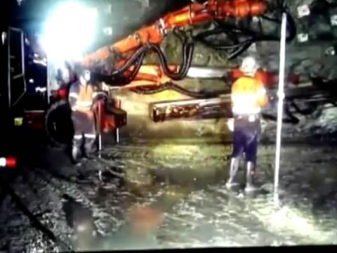 Австралийских шахтеров-золотодобытчиков уволили за подземный Harlem Shake.Интернет, шахтеры.НТВ.Ru: новости, видео, программы телеканала НТВ