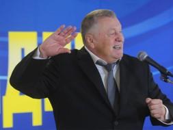 Жириновский потребовал лишить Гудкова мандата за измену родине