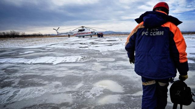 На месте крушения Ми-8 находят тела погибших.авиакатастрофа, Иркутская область, Ми-8, МЧС.НТВ.Ru: новости, видео, программы телеканала НТВ