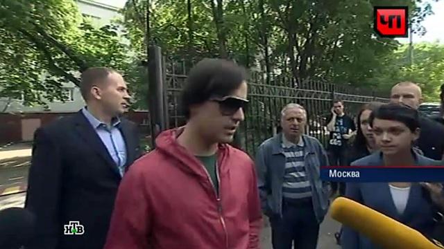 Адвокаты Витаса возмущены, что узнали об уголовном деле из СМИ.ВВЦ, Витас, ДТП, знаменитости, полиция.НТВ.Ru: новости, видео, программы телеканала НТВ