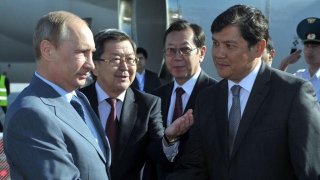 Путин прилетел вБишкек на неформальный саммит ОДКБ.Бишкек, визиты, встречи, Киргизия, ОДКБ, переговоры, политические лидеры, президенты, Путин, Таджикистан.НТВ.Ru: новости, видео, программы телеканала НТВ