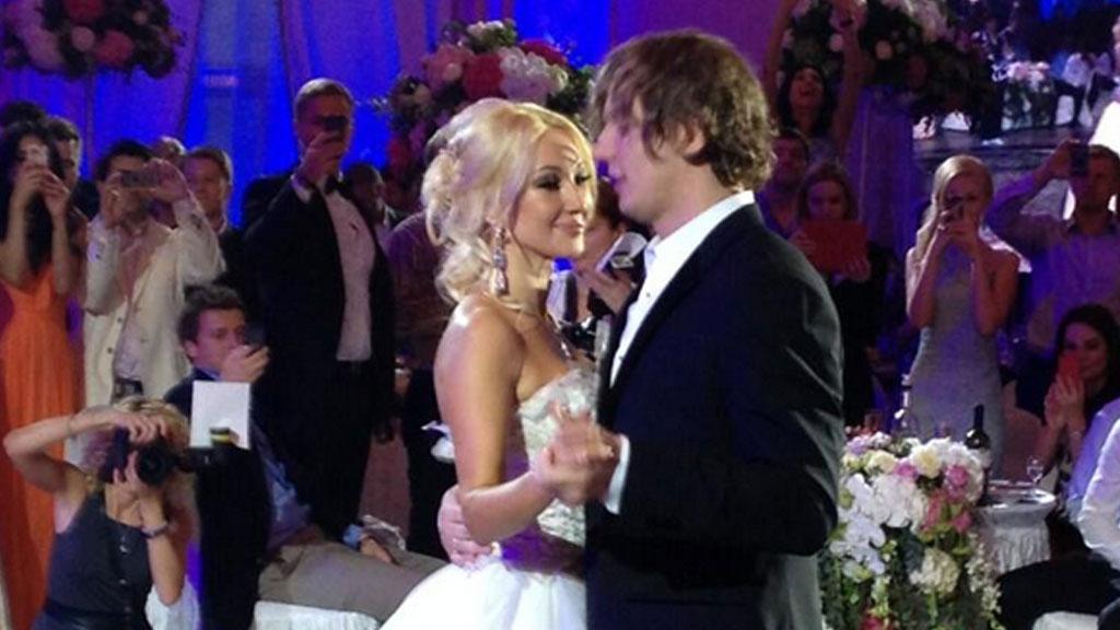 всегда беременные свадьба леры кудрявцевой и игоря макарова фото укусила
