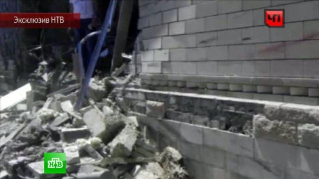 Дагестанские бандиты приставили автоматы кголове младенца ивзорвали дом.взрыв, Дагестан, нападения, эксклюзив.НТВ.Ru: новости, видео, программы телеканала НТВ