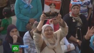 ВРамадан бунтующие египтяне вспоминают Мурси чаще Аллаха