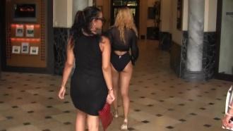 Певица Рианна шокировала жителей Монако шопингом в купальнике