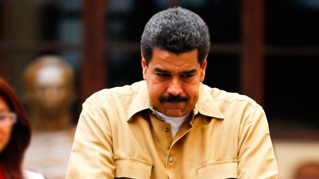 Президент Венесуэлы спит рядом с мертвым Уго Чавесом.Венесуэла, мистика, Чавес.НТВ.Ru: новости, видео, программы телеканала НТВ