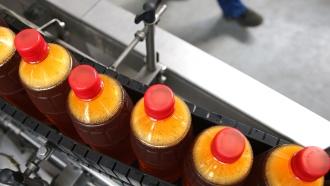 Российские пивовары отказались от больших пластиковых бутылок