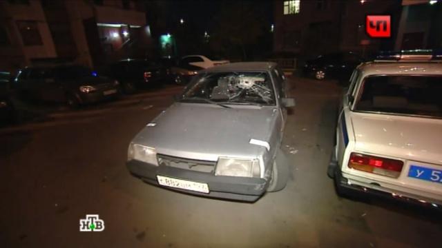 Устроивший стрельбу водитель Range Rover вместе с оппонентами попал в больницу.драка, ДТП, иномарки, конфликты, Москва, стрельба, эксклюзив.НТВ.Ru: новости, видео, программы телеканала НТВ