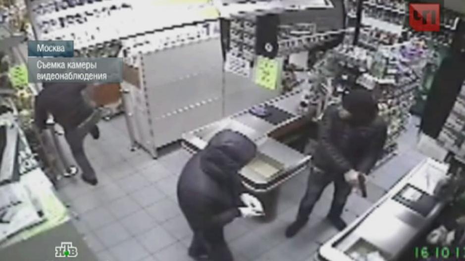 Мма спас незнакомца от нападения грабителей