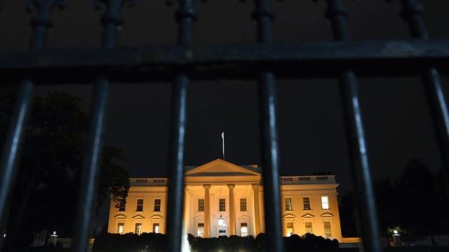 Белый дом не может простить Сноудена итребует суда.Белый дом, Сноуден, США, ЦРУ, шпионаж.НТВ.Ru: новости, видео, программы телеканала НТВ