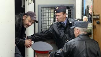 Арестованных «зеленых» сArctic Sunrise этапируют вПетербург