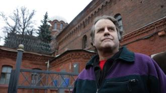 Капитан Arctic Sunrise Питер Уилкокс вышел из петербургского СИЗО