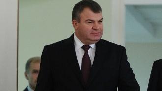 «Шума не нужно»: допрос Сердюкова неожиданно перенесли
