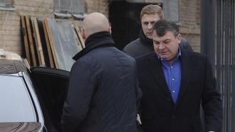 <nobr>Экс-министр</nobr> обороны Сердюков официально стал обвиняемым