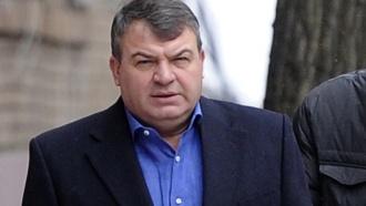 Сердюков побывал на допросе увоенных следователей иснова отказался от показаний