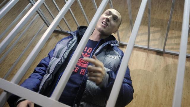 Задержанный Рома Жиган исполнил рэп перед судьями.задержание, знаменитости, разбой, рэпер.НТВ.Ru: новости, видео, программы телеканала НТВ