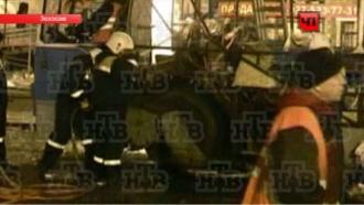 После взрыва волгоградский троллейбус разрезали на куски