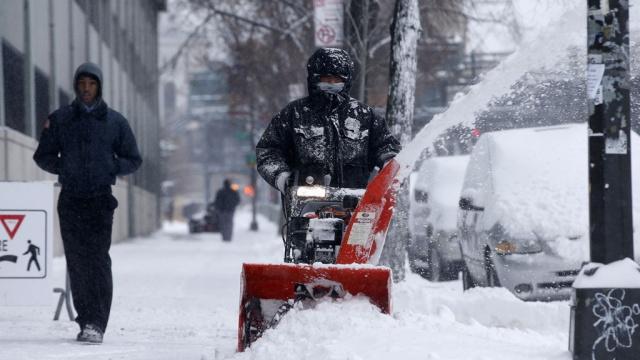 Снегопады вСША убили более десятка человек.аэропорты, непогода, погибшие, снегопады, США.НТВ.Ru: новости, видео, программы телеканала НТВ