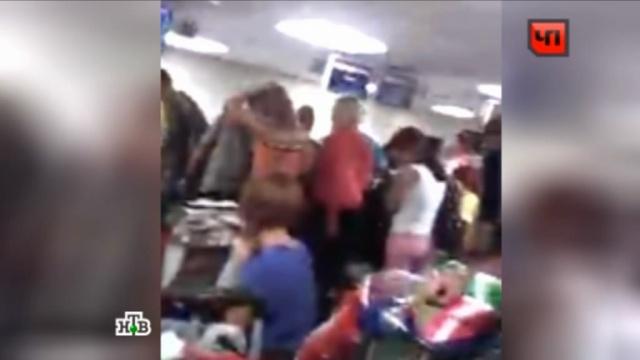 «Восемь часов неизвестности»: россияне боятся лететь из Коломбо на старом самолете.авиапроисшествия, россияне, самолеты, туристы, Шри-Ланка.НТВ.Ru: новости, видео, программы телеканала НТВ