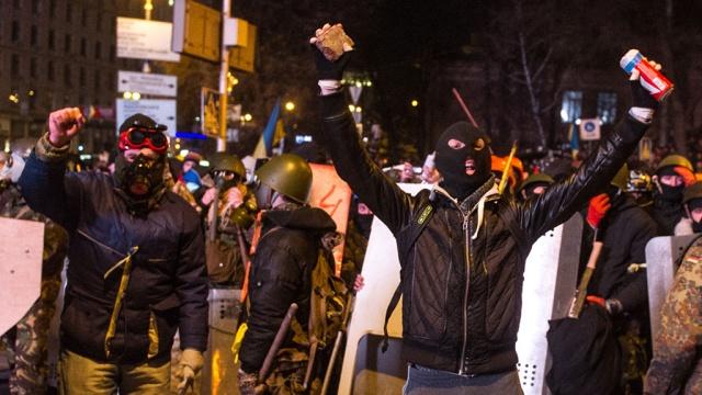 После боев вцентре Киева задержали более 20человек.беспорядки, задержание, Киев, митинги за рубежом, пострадавшие, Украина.НТВ.Ru: новости, видео, программы телеканала НТВ