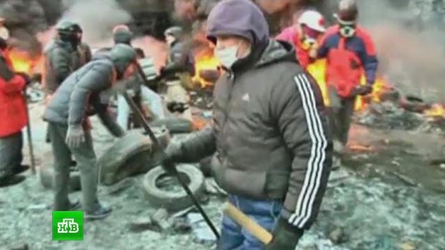 Киев в дыму: радикалы машинами возят покрышки на Грушевского.беспорядки, Киев, оппозиция, Украина.НТВ.Ru: новости, видео, программы телеканала НТВ