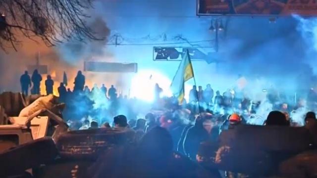 Активисты вцентре Киева заявляют опрекращении перемирия.беспорядки, Киев, милиция, Украина, экология.НТВ.Ru: новости, видео, программы телеканала НТВ