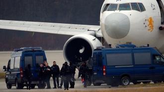 Пассажиры эфиопского «Боинга» узнали об угоне только после приземления