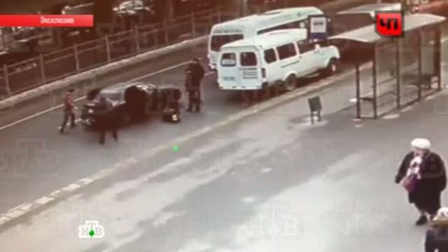 В Москве таксист-кавказец с друзьями избил пассажиров.драки, конфликты, Москва, пассажиры, такси, эксклюзив.НТВ.Ru: новости, видео, программы телеканала НТВ