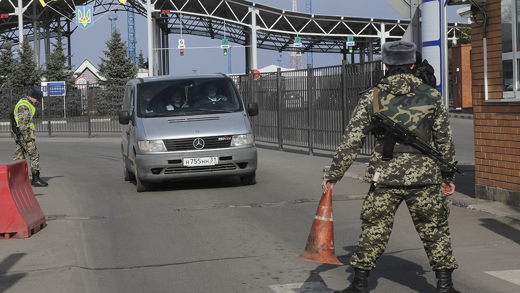 Приглашение Зеленского не сработало: журналистов НТВ не пустили в Украину