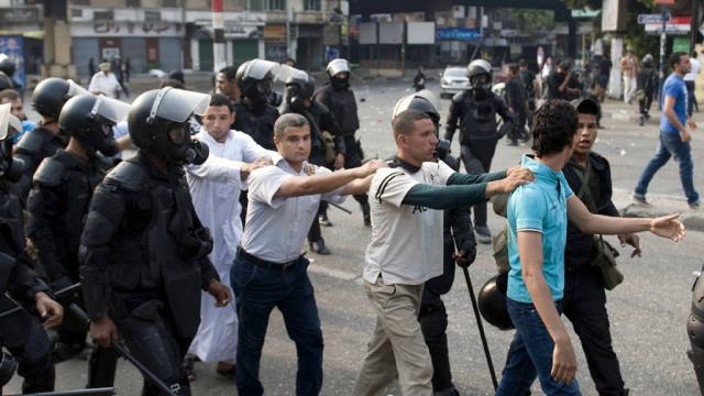 В Египте более 500 членов движения «Братья-мусульмане» приговорены к казни.Египет, исламисты, Мурси, приговоры, смертная казнь, убийства.НТВ.Ru: новости, видео, программы телеканала НТВ