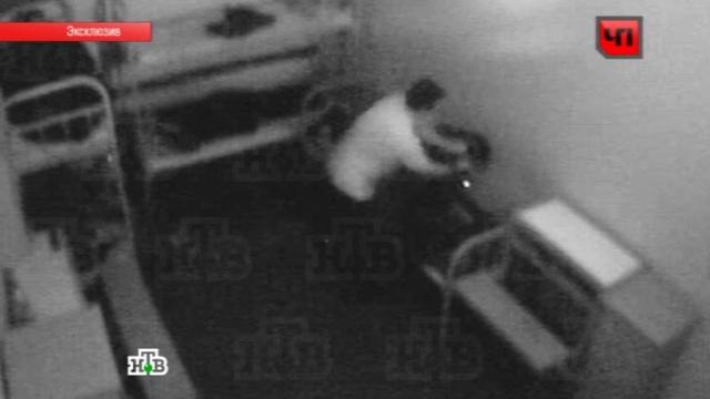 Смерть люберецкого изверга втюрьме сняла камера видеонаблюдения.драки, Московская область, самоубийства, убийства, эксклюзив.НТВ.Ru: новости, видео, программы телеканала НТВ