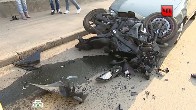 Гендиректор компании «Останкино» попал в аварию около телецентра.ДТП, Москва, мотоциклы.НТВ.Ru: новости, видео, программы телеканала НТВ