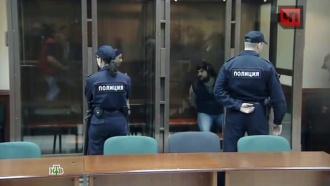 Мосгорсуд приговорил торговцев сМатвеевского рынка, избивших полицейского