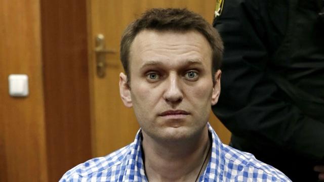 Следователи изъяли уНавального военный билет икартину.мошенничества, Навальный, обыски.НТВ.Ru: новости, видео, программы телеканала НТВ