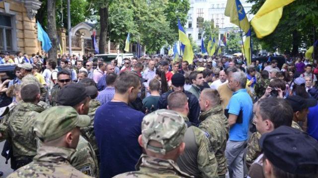 Митингующие вКиеве требуют ввести военное положение на востоке Украины.Киев, митинги и протесты, Украина.НТВ.Ru: новости, видео, программы телеканала НТВ