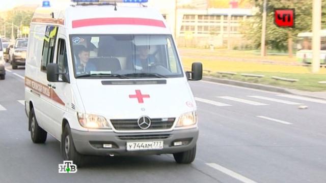 Видеорегистратор зафиксировал, как девушка-водитель сбивает пешехода.ДТП, Москва, пешеход.НТВ.Ru: новости, видео, программы телеканала НТВ