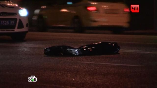 В центре Москвы пьяный водитель сбил насмерть девушку на самокате.ДТП, Москва, пешеходы, пьяные.НТВ.Ru: новости, видео, программы телеканала НТВ