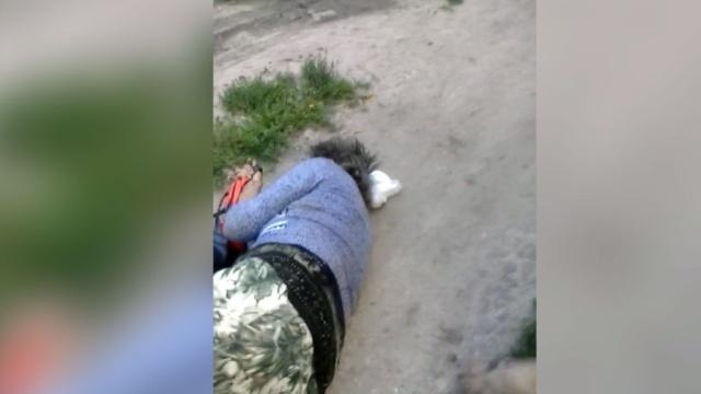Внападении подростка на нижегородскую старушку разбираются полицейские исыщики.Интернет, Нижний Новгород, дети и подростки, драки и избиения, жестокость, пенсионеры.НТВ.Ru: новости, видео, программы телеканала НТВ
