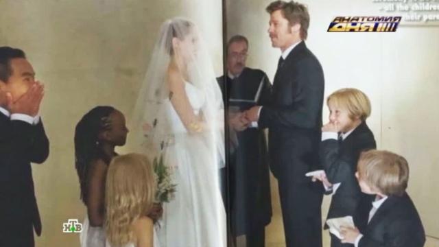 Джоли иПитту придется сыграть свадьбу на бис.Голливуд, Джоли, Питт, США, Франция, браки и разводы, знаменитости, фото.НТВ.Ru: новости, видео, программы телеканала НТВ